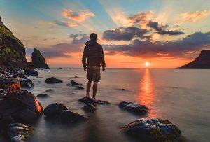 Εσύ έχεις τον δρόμο σου. Εγώ έχω τον δρόμο μου. Όσο για τον σωστό και μοναδικό δρόμο, είναι κάτι που δεν υπάρχει. (ΝΙΤΣΕ)