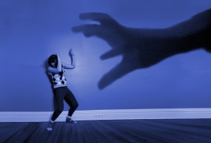 Ο Κριτής καταδικάζει, και το Θύμα υφίσταται