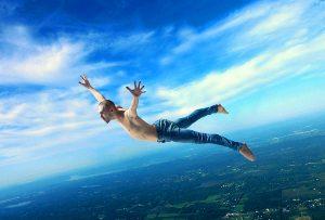 Τα πραγματικά μεγάλα πνεύματα -όπως οι αετοί- φωλιάζουν ψηλά στους αιθέρες (Arthur Schopenhauer)