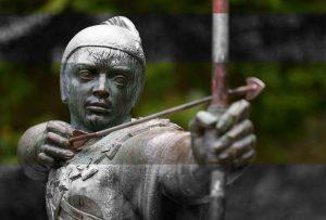 Ο Ρομπέν των Δασών πρέπει να σκεφτεί ποιες αρετές προσπαθεί να προστατέψει μέσω των  πράξεών του.  (LOU MARINOFF)