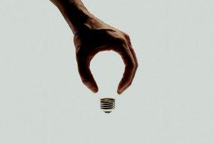 Μπέντζαμιν Ντισραέλι: «Ποτέ δεν πρόκειται να φτάσετε ψηλότερα από όσο σκέφτεστε»  (ROBIN SHARMA)
