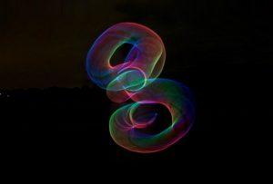 H θεωρία των χορδών. – Brian Green: O χώρος και ο χρόνος δεν είναι θεμελιακές ιδέες, αλλά προϊόντα βαθύτερης οργάνωσης του σύμπαντος…